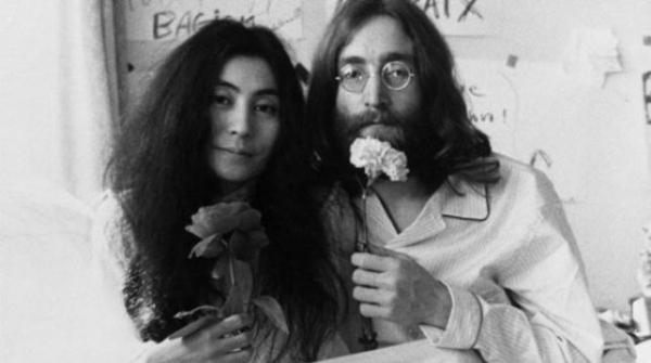 THR: об истории любви Джона Леннона и Йоко Оно снимут фильм