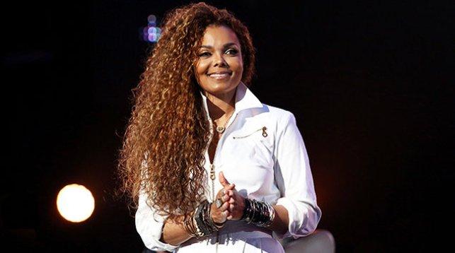 Сестра Майкла Джексона родила первенца в 50 лет
