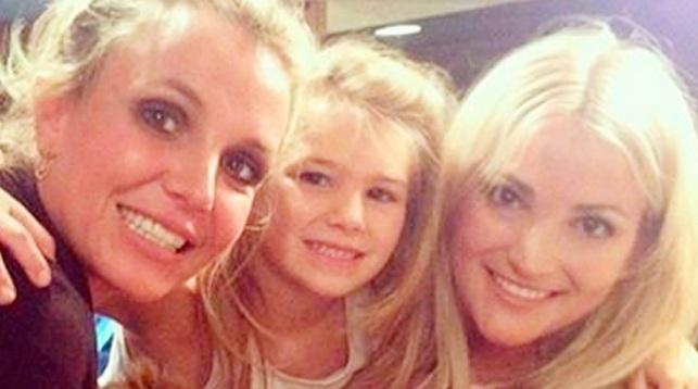 Восьмилетняя племянница Бритни Спирс доставлена вбольницу вочень тяжелом состоянии после трагедии