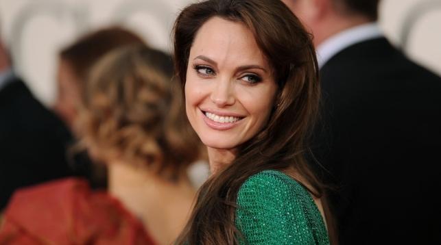 Джоли желает реализовать французский особняк, вкотором выходила замуж заПитта