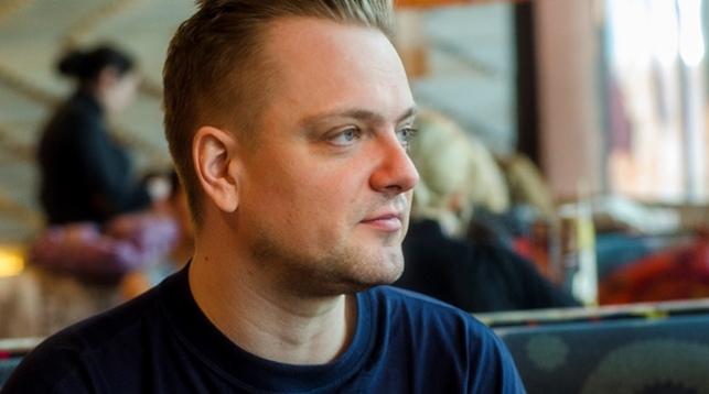 Александр Пушной исполнил рок-колыбельную вчесть рождения 3-го сына