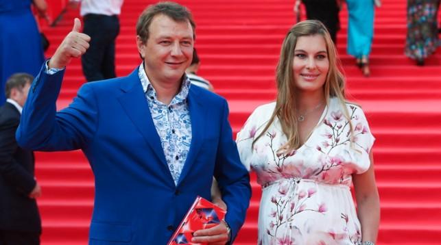 Марат Башаров откровенно поведал отайном венчании свозлюбленной