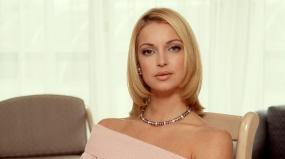 """Анастасия Волочкова предстала в образе Мадонны в эфире """"Первого канала"""""""