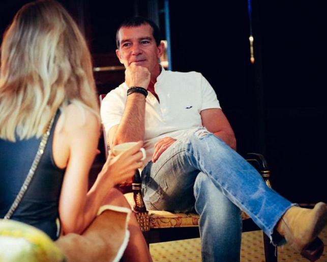 Голливудский актер Антонио Бандерас прилетел в Москву
