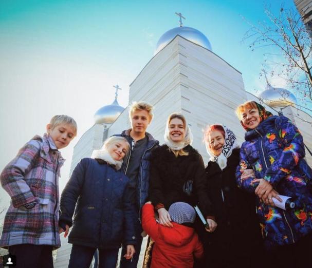 Водянова поведала овойне ссобственными детьми